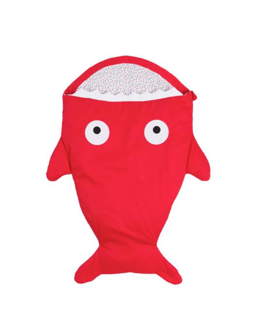 saco bebé pez rojo