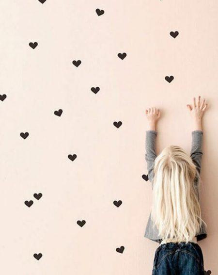 vinilo corazoncitos negros